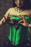Νεράιδα στον πράσινο κορσέ Στοκ φωτογραφίες με δικαίωμα ελεύθερης χρήσης