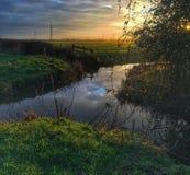 Νερό ήλιων επιφύλαξης άγριας φύσης έλους Magor Στοκ εικόνα με δικαίωμα ελεύθερης χρήσης