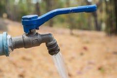 Νερό βρύσης στην έρημο Στοκ φωτογραφίες με δικαίωμα ελεύθερης χρήσης