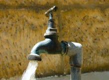 νερό βρύσης Στοκ Εικόνες
