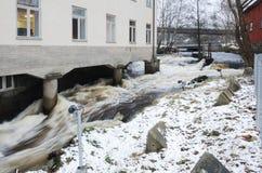 Νερό κάτω από το σπίτι Στοκ εικόνα με δικαίωμα ελεύθερης χρήσης