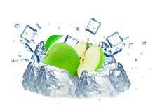 νερό παφλασμών μήλων Στοκ εικόνες με δικαίωμα ελεύθερης χρήσης