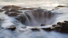 Νερό που ρέει στο thor ` s καλά στοκ εικόνες με δικαίωμα ελεύθερης χρήσης