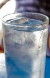 νερό φλυτζανιών Στοκ Φωτογραφίες