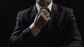 Νευρικός επίσημος ένοχος του οικονομικού δεσμού απάτης, να σχεδιάσει ή ρύθμισης δωροδοκίας φιλμ μικρού μήκους