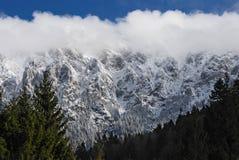 νεφελώδες βουνό Στοκ Εικόνες