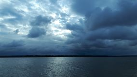Νεφελώδης ουρανός πρωινού στοκ φωτογραφία