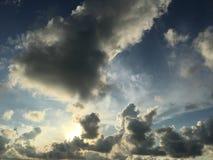 νεφελώδης ουρανός στοκ εικόνα
