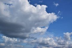 Νεφελώδης στον ουρανό 0001 Στοκ εικόνες με δικαίωμα ελεύθερης χρήσης