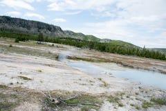 Νεφελώδεις ουρανοί πέρα από τις νεφελώδεις λίμνες Στοκ Εικόνα