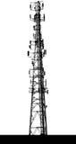 νεφελώδες χωριό πύργων ουρανού επικοινωνίας Στοκ φωτογραφία με δικαίωμα ελεύθερης χρήσης