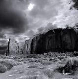 Νεφελώδης κοιλάδα μνημείων ουρανών στην ταινία Στοκ φωτογραφία με δικαίωμα ελεύθερης χρήσης