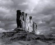 Νεφελώδης κοιλάδα μνημείων ουρανών στην ταινία Στοκ φωτογραφίες με δικαίωμα ελεύθερης χρήσης