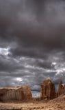 Νεφελώδης κοιλάδα μνημείων ουρανών Στοκ εικόνα με δικαίωμα ελεύθερης χρήσης
