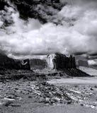 Νεφελώδης κοιλάδα μνημείων ουρανών Στοκ Εικόνες