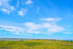 Νεφελώδης ουρανός πέρα από το λιβάδι Fiume Santo Στοκ Φωτογραφίες