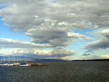 νεφελώδης ουρανός φθιν&omicro Στοκ Φωτογραφία