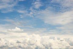 νεφελώδης ουρανός στοκ φωτογραφίες