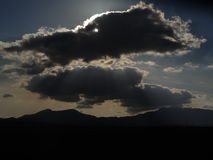 νεφελώδης σκοτεινός ουρανός στοκ φωτογραφία με δικαίωμα ελεύθερης χρήσης