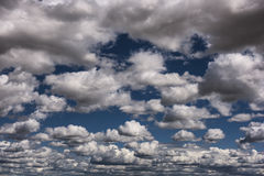 Νεφελώδης σύσταση ουρανού Στοκ εικόνα με δικαίωμα ελεύθερης χρήσης