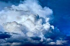 νεφελώδης όψη ουρανού Στοκ εικόνες με δικαίωμα ελεύθερης χρήσης