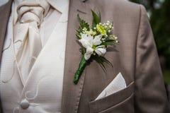 Νεόνυμφος σε ένα κοστούμι Στοκ Εικόνες