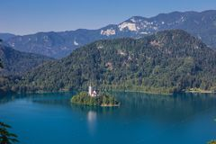 Νησί αιμορραγημένος στη Σλοβενία στοκ φωτογραφίες