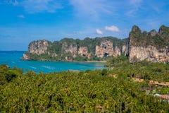 Νησί ασβεστόλιθων sbay σε Krabi AO Nang και Phi Phi, Ταϊλάνδη Στοκ Εικόνες