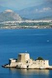 Νησί κάστρων Bourtzi σε Nafplion, Ελλάδα - υπόβαθρο αρχιτεκτονικής Στοκ Εικόνες
