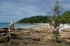 Νησί και μπλε ουρανός Samed στην Ταϊλάνδη Στοκ Εικόνες
