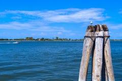 Νησί νεκροταφείων SAN Michele στην ενετική λιμνοθάλασσα στη Βενετία Στοκ φωτογραφία με δικαίωμα ελεύθερης χρήσης