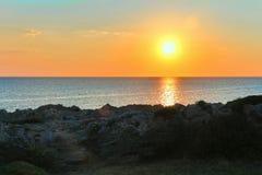 νησί πέρα από την ανατολή θερέ&t Στοκ εικόνες με δικαίωμα ελεύθερης χρήσης