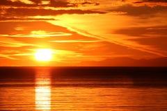 νησί πέρα από το ηλιοβασίλε Στοκ φωτογραφίες με δικαίωμα ελεύθερης χρήσης