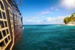 Νησί περιπέτειας με το γαλόνι πειρατών που δένεται Στοκ φωτογραφία με δικαίωμα ελεύθερης χρήσης