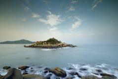 Νησί & σκόπελος στοκ εικόνα