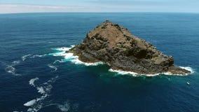Νησί στη θάλασσα απόθεμα βίντεο