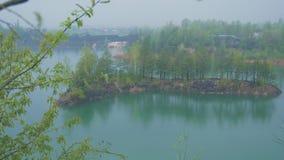 Νησί στη μέση της λίμνης απόθεμα βίντεο
