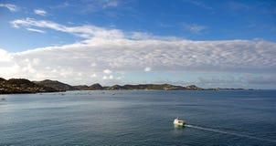 Νησί της Γρενάδας - Άγιος George ` s - ανατολή στο εσωτερικούς λιμάνι και τον κόλπο διαβόλων Στοκ Εικόνες