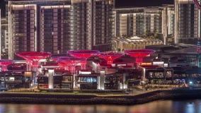 Νησί Bluewaters στην εναέρια νύχτα του Ντουμπάι timelapse με τα φωτισμένα κτήρια απόθεμα βίντεο