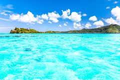 Νησί Bora Bora, γαλλική Πολυνησία Ένας αληθινός παράδεισος με το τυρκουάζ νερό Προορισμός που επιδιώκεται από τα ζεύγη στο μήνα τ στοκ φωτογραφίες