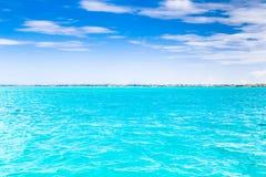 Νησί Bora Bora, γαλλική Πολυνησία Ένας αληθινός παράδεισος με το τυρκουάζ νερό Προορισμός που επιδιώκεται από τα ζεύγη στο μήνα τ στοκ εικόνα με δικαίωμα ελεύθερης χρήσης