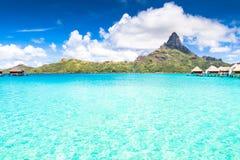 Νησί Bora Bora, γαλλική Πολυνησία Ένας αληθινός παράδεισος με το τυρκουάζ νερό Προορισμός που επιδιώκεται από τα ζεύγη στο μήνα τ στοκ εικόνα