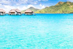 Νησί Bora Bora, γαλλική Πολυνησία Ένας αληθινός παράδεισος με το τυρκουάζ νερό Προορισμός που επιδιώκεται από τα ζεύγη στο μήνα τ στοκ φωτογραφία