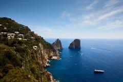 Νησί capri άποψης θάλασσας, Ιταλία στοκ εικόνα