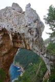 Νησί Capri, φυσική αψίδα της Ιταλίας - Arco Naturale Στοκ φωτογραφία με δικαίωμα ελεύθερης χρήσης