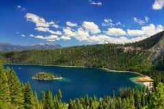 Νησί Fannette στο σμαραγδένιο κόλπο στη λίμνη Tahoe, Καλιφόρνια, ΗΠΑ στοκ εικόνες