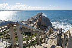 Νησί Groyne γρανίτη και σκάλα, λιμάνι του Victor, νότος Austra Στοκ Εικόνα