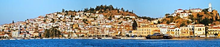 Νησί Poros, Ελλάδα, λιμάνι, paview από τη θάλασσα Στοκ Εικόνες