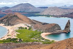 Νησί ST Bartolome, Galapagos, Ισημερινός ηφαιστείων με το πυραμίδα-ρ στοκ φωτογραφία με δικαίωμα ελεύθερης χρήσης