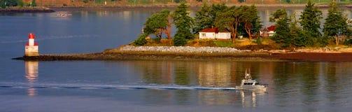 νησιά βαρκών μετά από το ασήμι στοκ φωτογραφία